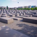 【ホロコースト記念碑】ベルリンのシンボル・ブランデンブルク門と一緒に周れる観光地