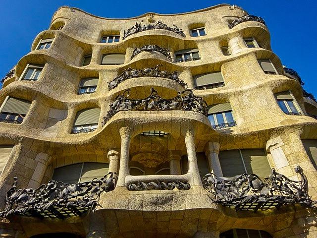 バルセロナ【ガウディ建築Casa Milà】