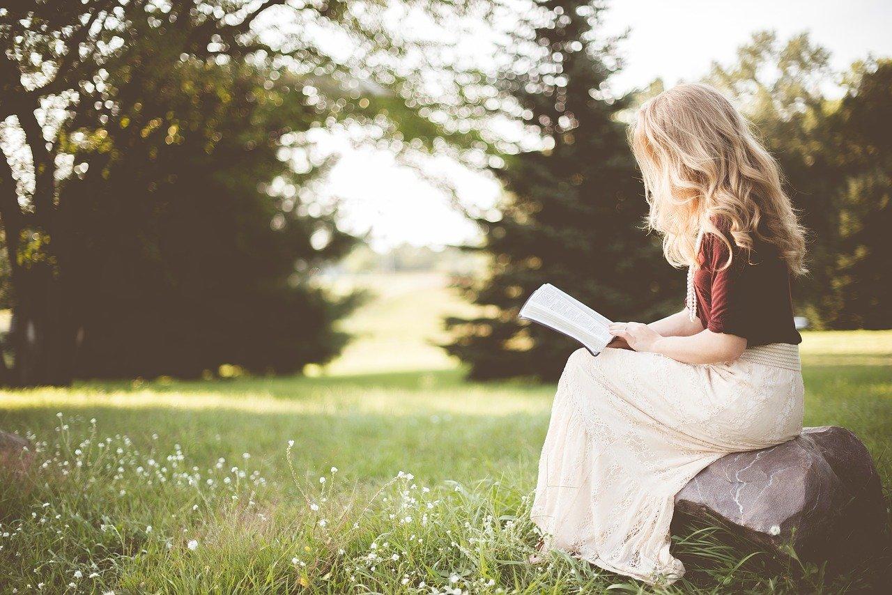 【世界のベストセラーランキング】世界で最も読まれてる本とは?